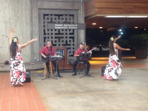 8:30 pm, sleepy airport except for the awesome hula dancers